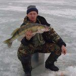 Ловля судака в отвесными блеснами зимой