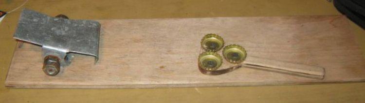 Самодельная чистилка для окуня с хвостовым зажимом своими руками