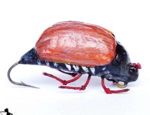 Как сдулать воблер майски жук